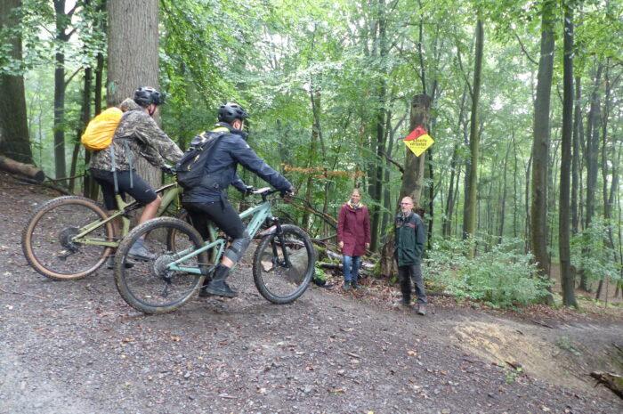 Aktion gegen ungenehmigte Mountainbike-Routen: Wälder brauchen Schutz