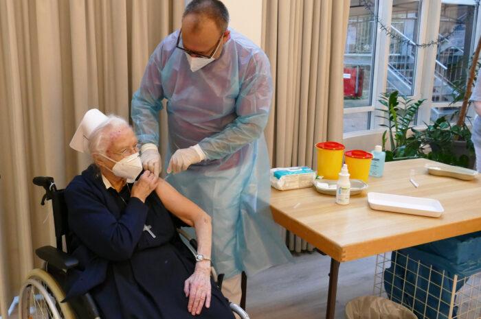 Reihenimpfungen in Pflegeeinrichtungen der Diakonie Stiftung Salem erfolgreich abgeschlossen