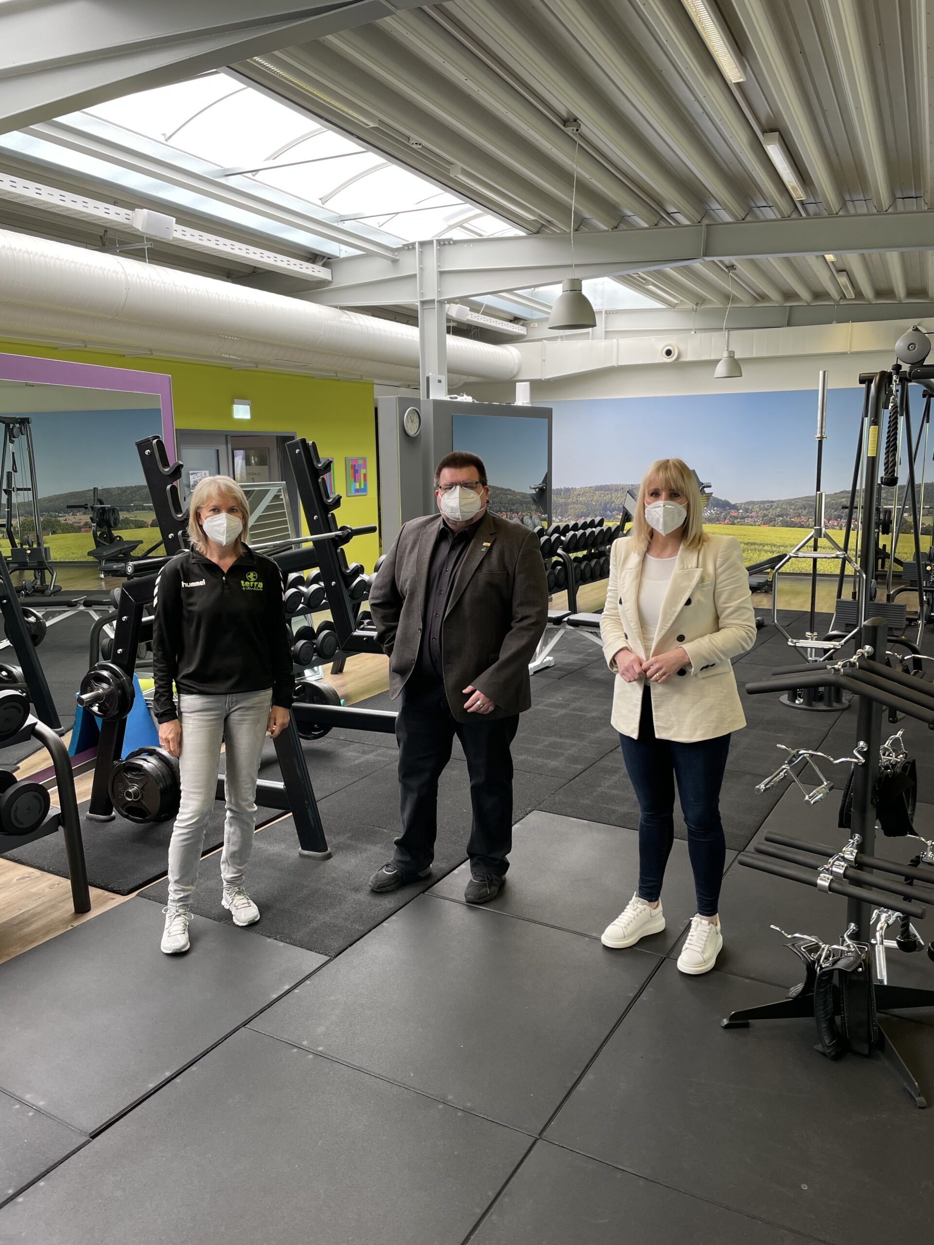 Foto: (v.l.n.r. Dorothea Kleine, Geschäftsführerin Terra Fitness GmbH, Andreas Sand, Daniela Beihl)