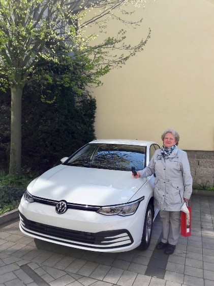 Gewinnerin des VW Golfs Kristin Filor