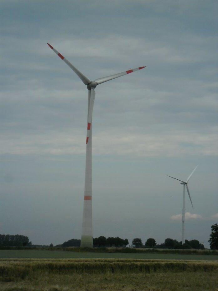 Regenerativer Strom: Die Windräder in Südhemmern. Foto: Gemeinde Hille