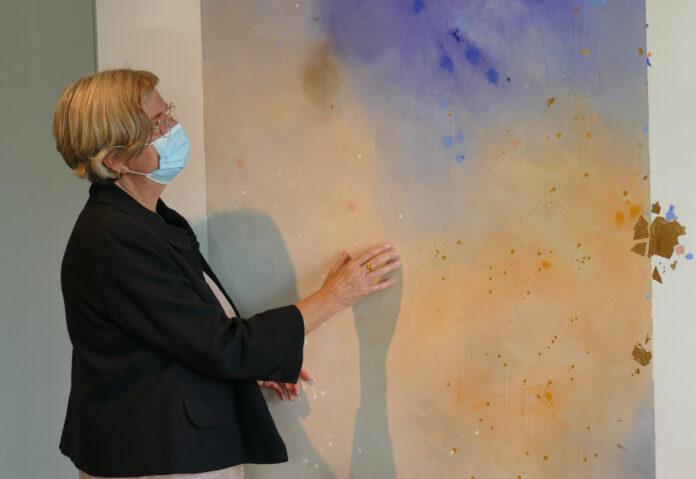 Die Kunstwerke im Raum der Stille sind inspiriert von den vier Elementen: Feuer, Wasser, Erde und Luft.   Quelle: Diakonie Stiftung Salem
